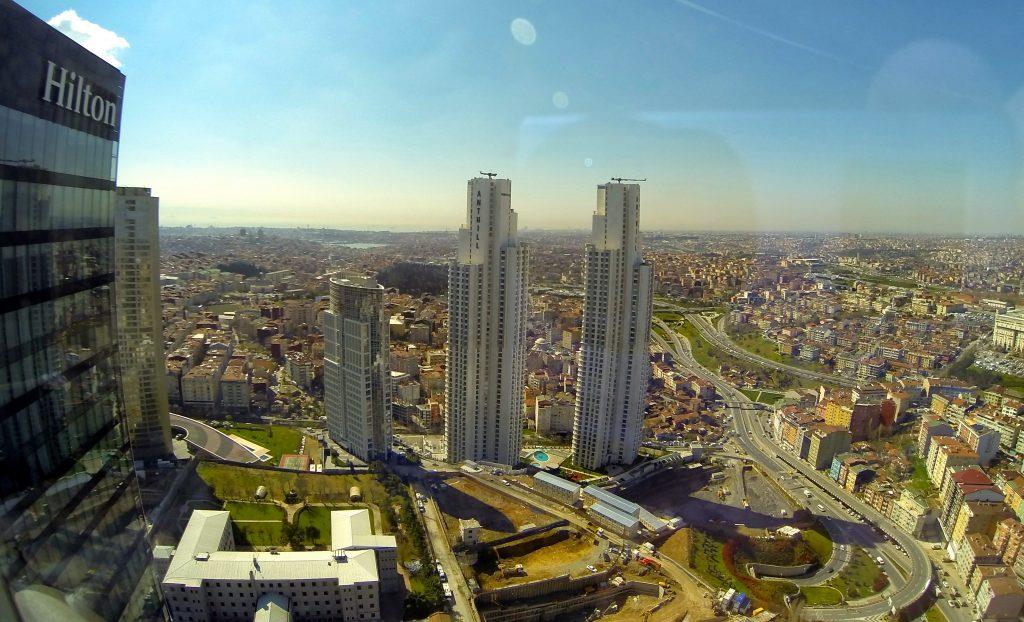 İstanbul'da değerlenen yerlerden biri BOMONTİ.. Bir çok markalı projelerin yapılmasıyla BOMONTİ, merkezi konumuyla en çok tercih edilen yerlerden biri haline geldi.