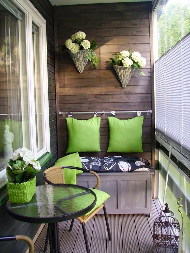 Bir çoğumuz büyük şehirlerde yaşıyoruz ve dışarı çıkabileceğimiz bahçemiz veya verandamız bile yok. Küçük de olsa en azından bir balkonumuz var.